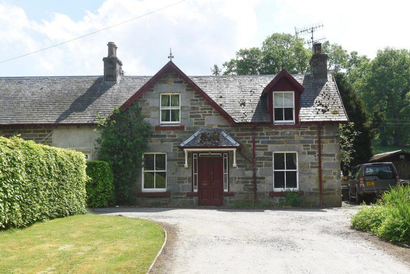 West Styx Cottage on Bolfracks Estate