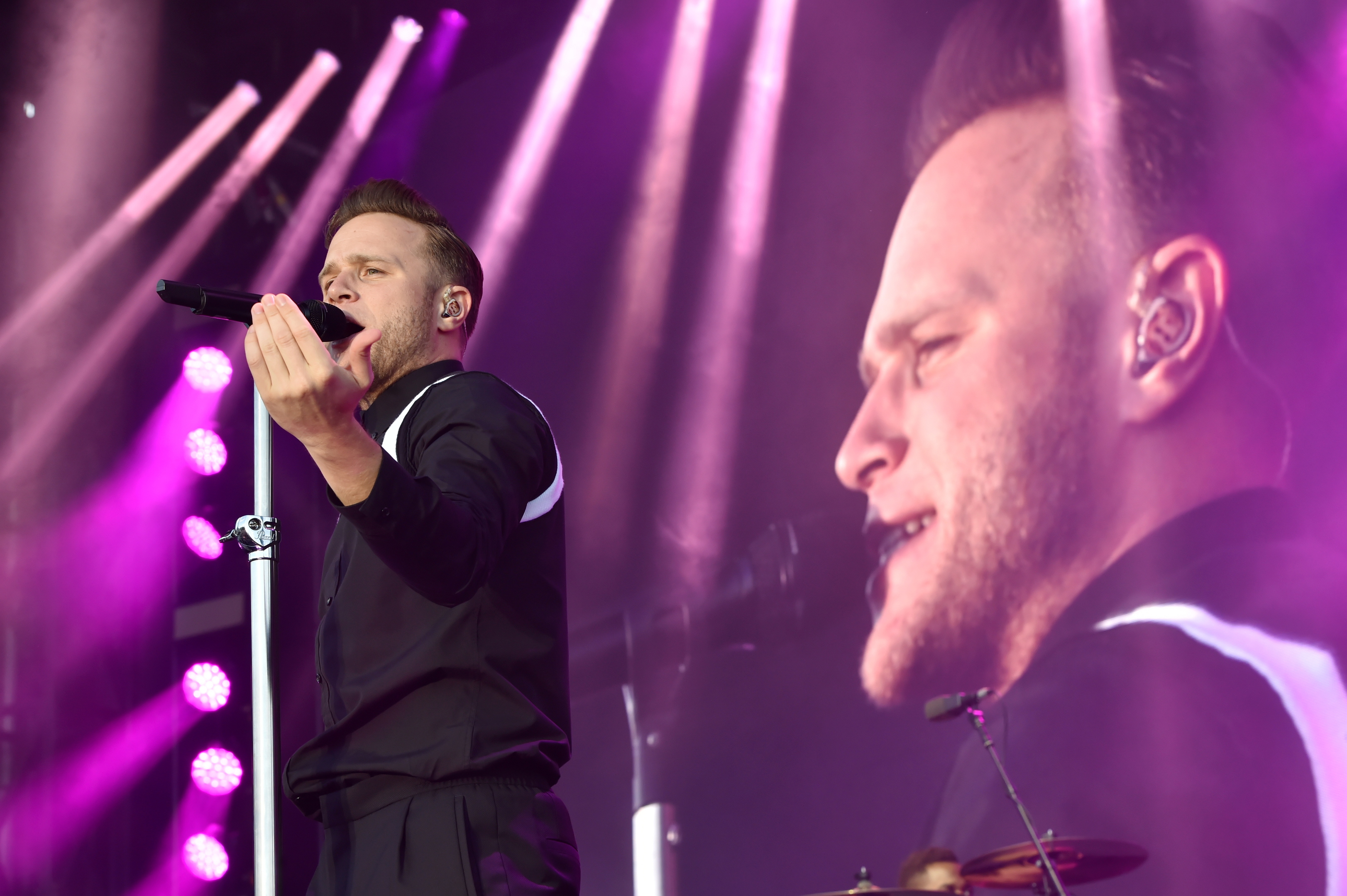 Olly Murs performing outdoors at Aberdeen Exhibition and Conference Centre. Pictures by Kenny Elrick.