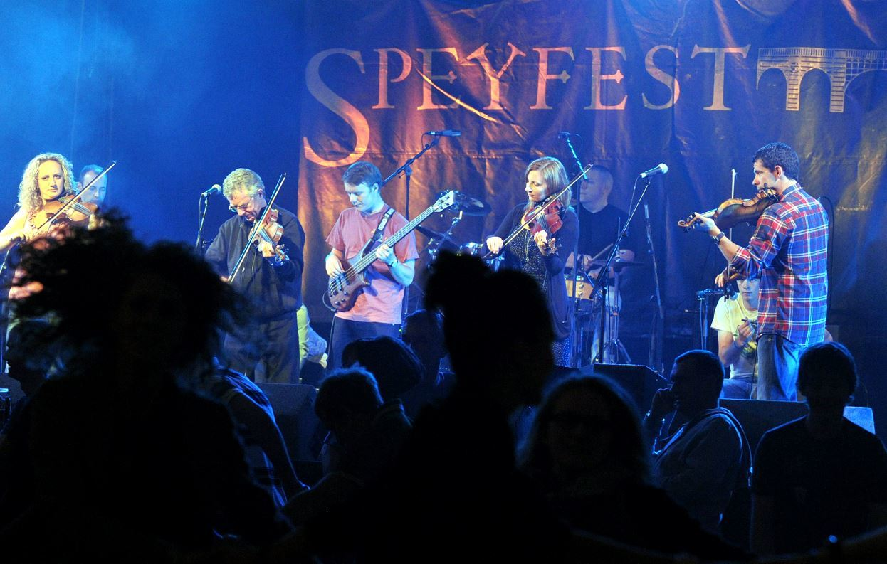 Traditional music fans are expected to flock to Fochabers for Speyfest at the weekend.