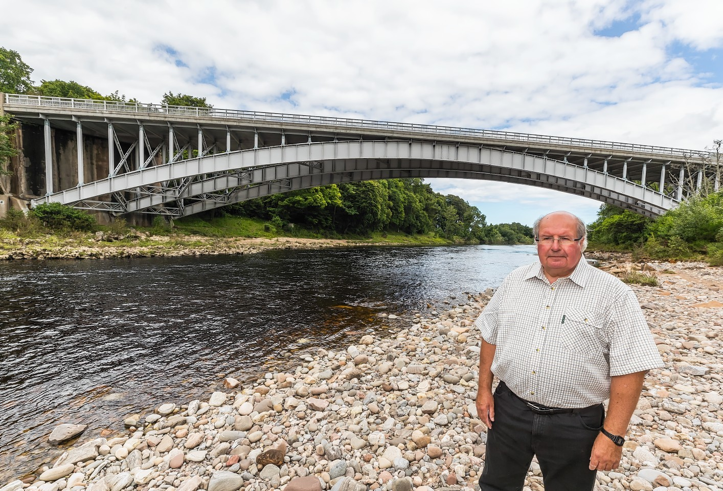This is STEVE ARKLEY on the banks of the River Findhorn near Forres.