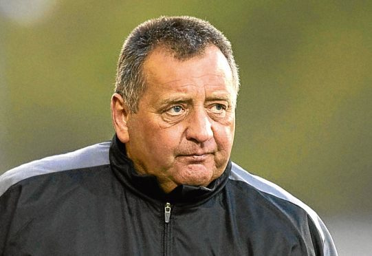 Jimmy Calderwood believes the Dons can finish second in the Scottish Premiership.