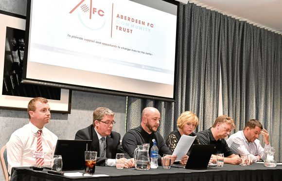 Pictured: The top table L-R  Steven Sweeney, Richard Booth, Keith Sinclair, Aleen Shinnie, Mike Forbes and Scott Barclay.  Picture by Kami Thomson