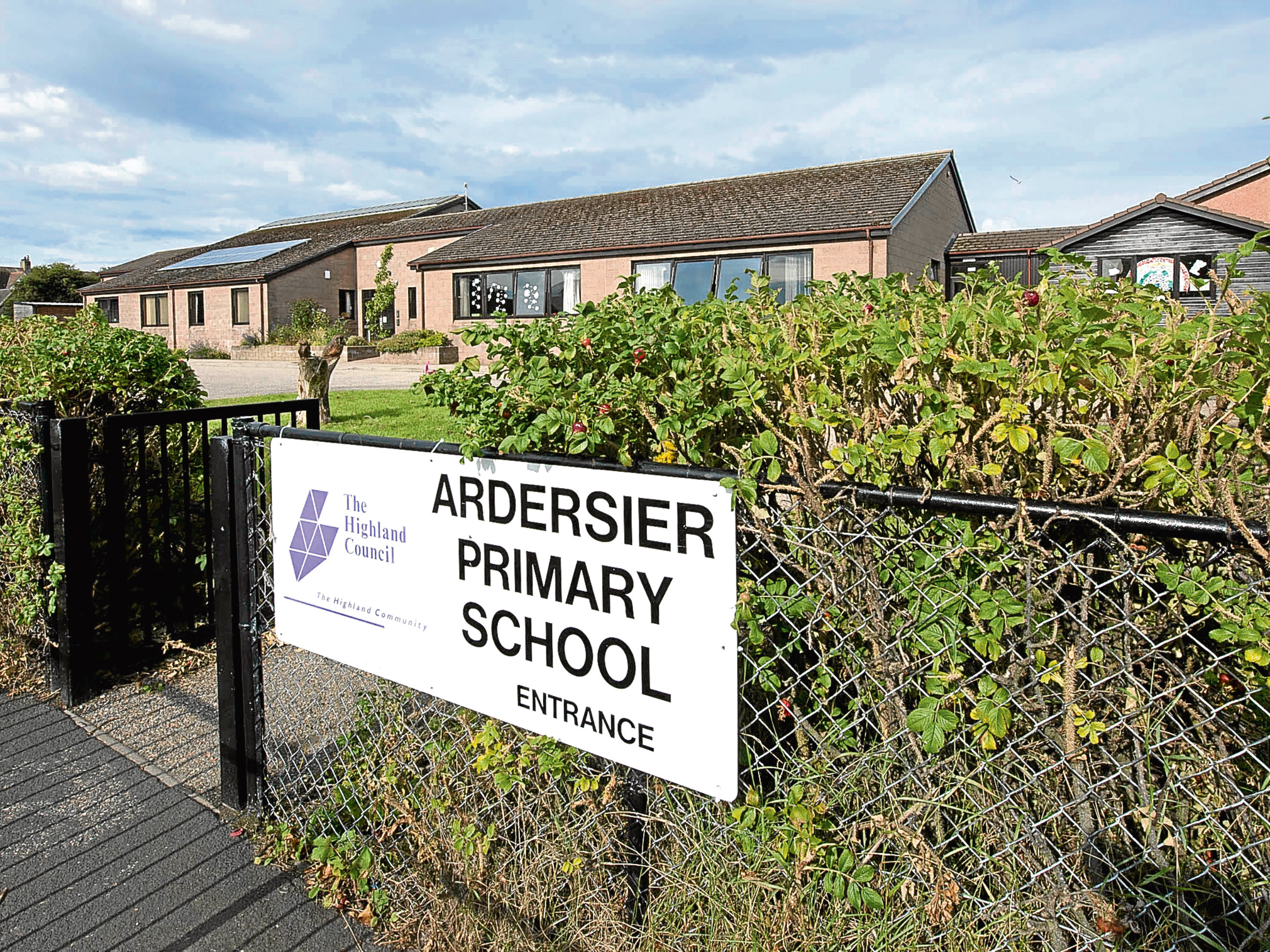 Ardersier Primary School Ardersier Primary School which is to be closed for two days. Pic - Phil Downie