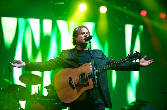Runrig's Bruce Guthro welcomes the fans to Inverness (2012)