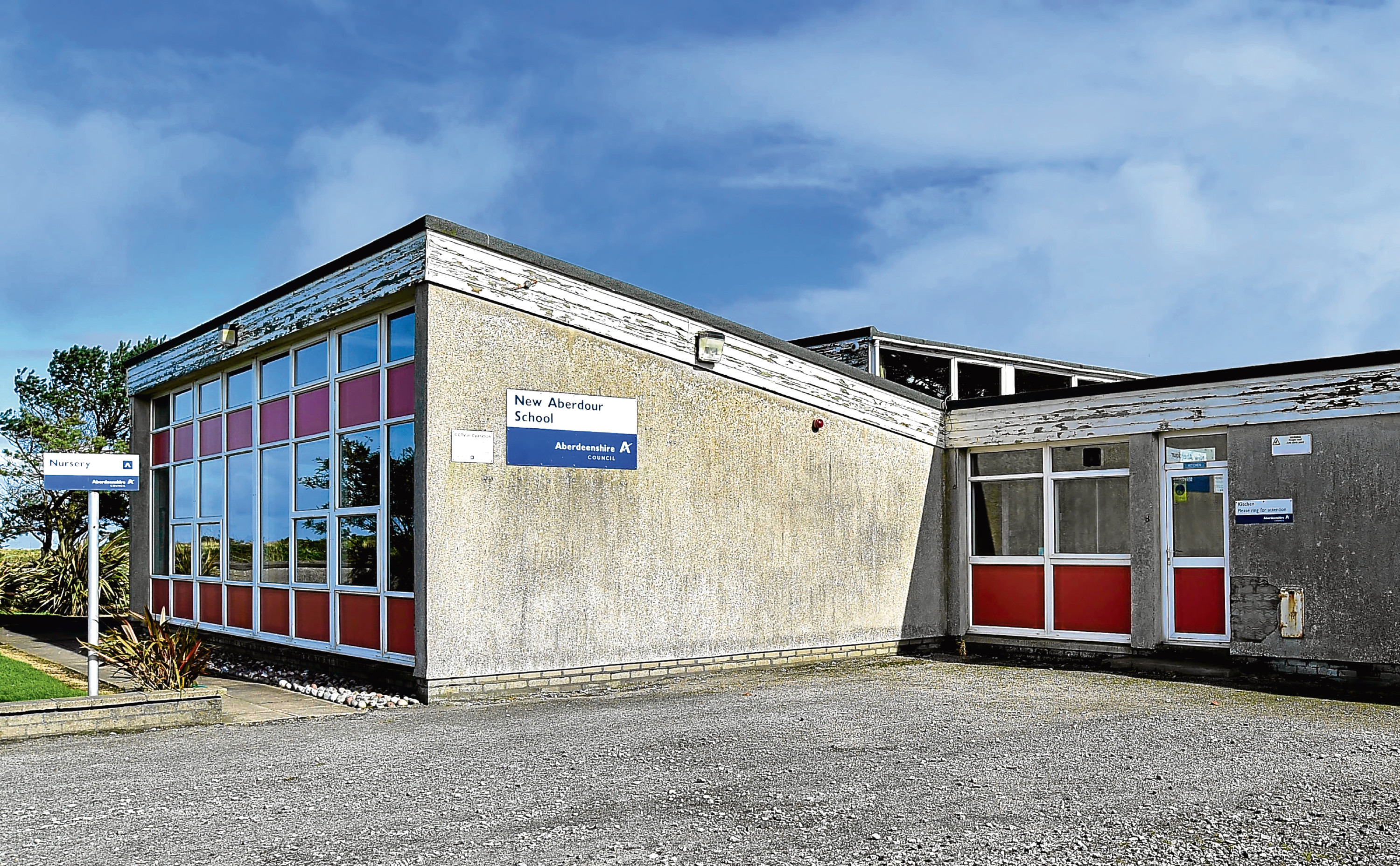 The former New Aberdour Primary School will go under the hammer today.