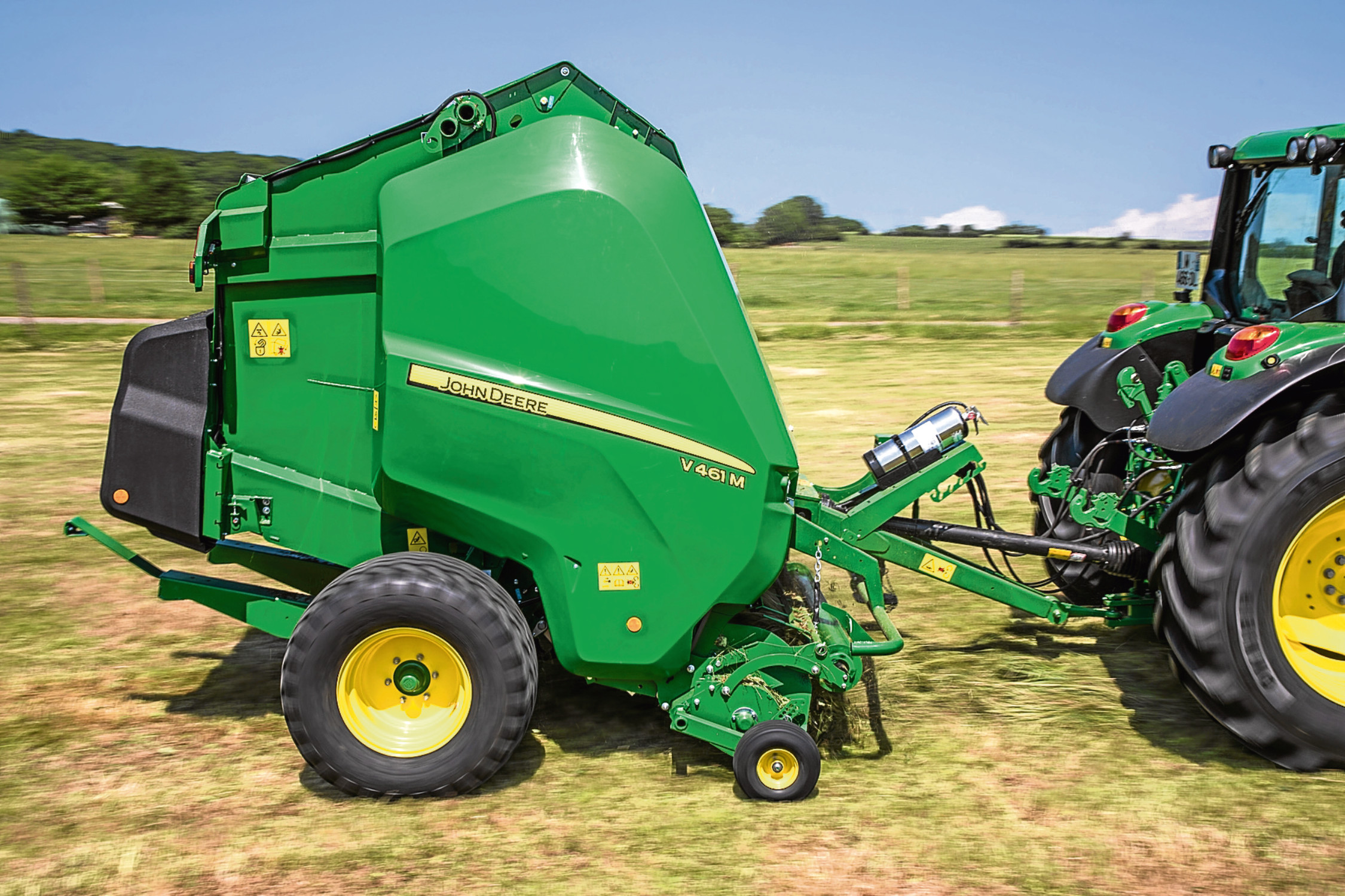 The new John Deere V461M round baler