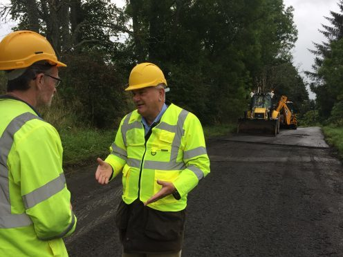 MSP Mike Rumbles met with AWPR contractors and Aberdeenshire council officers to discuss road closures