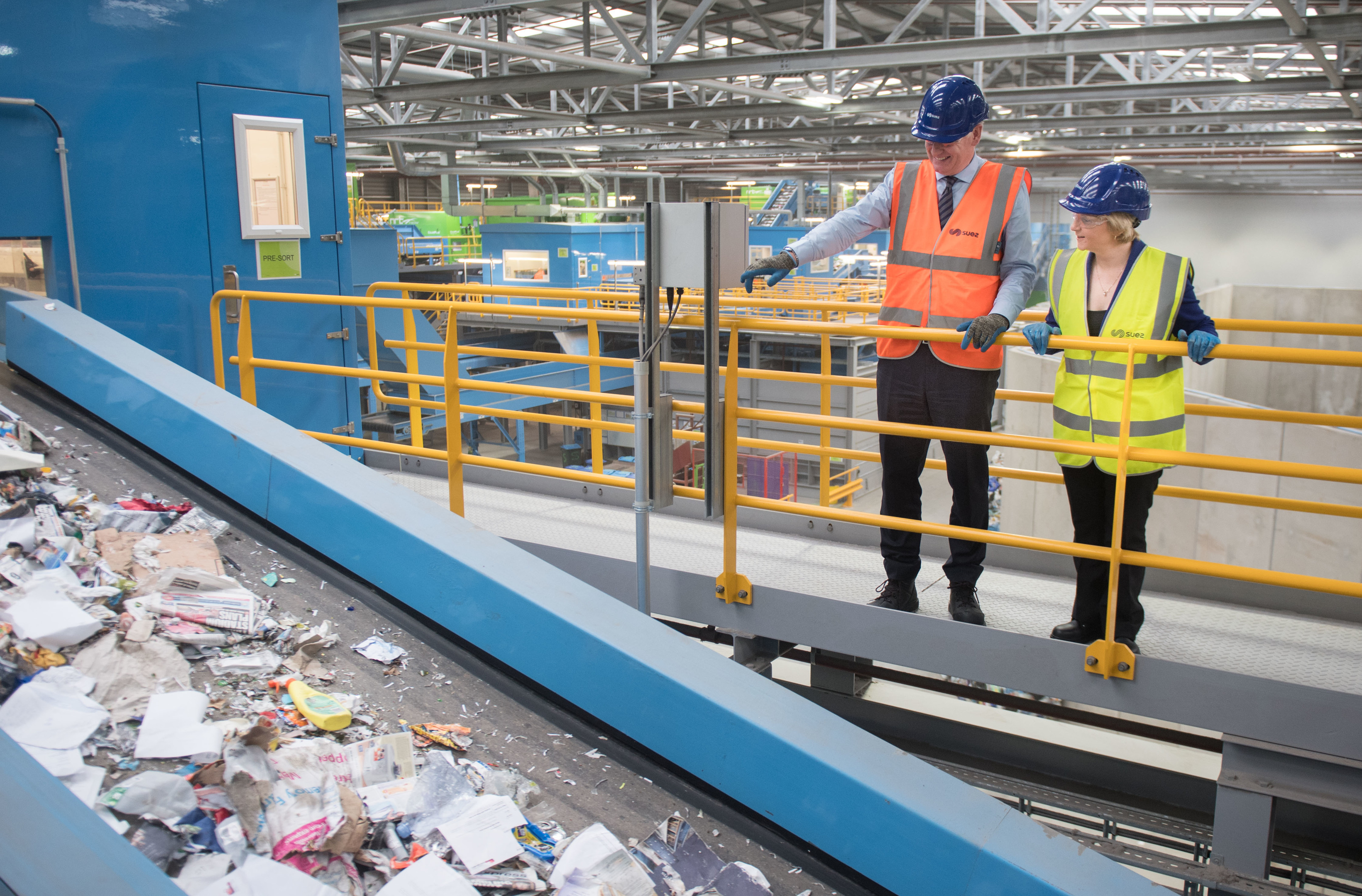 David Palmer-Jones, Chief Executive Officer of SUEZ recycling and recovery UK  and Cllr Jenny Laing, Co_Leader of the Aberdeen City Council