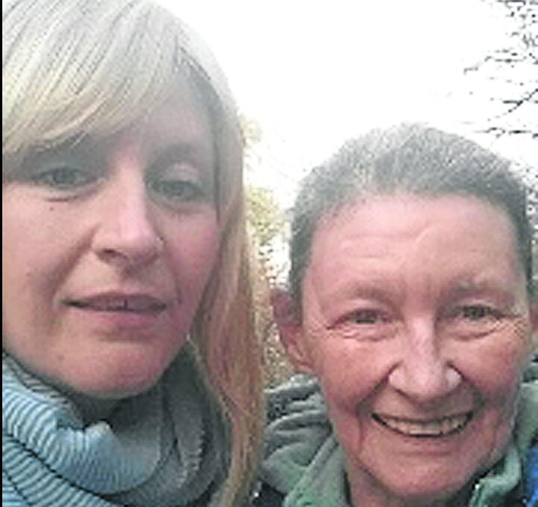 Elaina MacDonald with mother Mairi Gilfillan