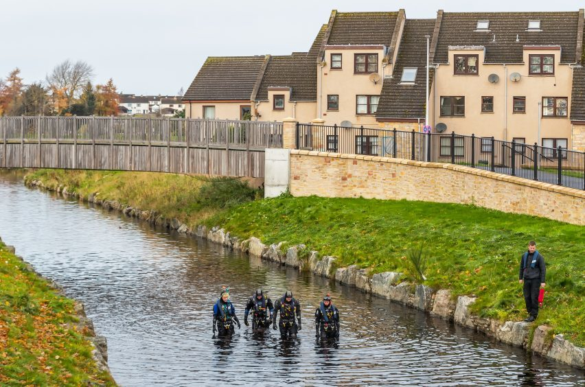River searched for clues on serious Elgin assault | Press ...