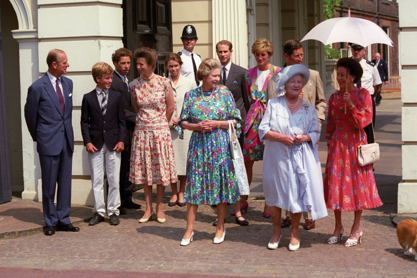 (left to right) the Duke of Edinburgh, Peter Phillips, Viscount David Linley, the Princess Royal, Lady Sarah Armstrong-Jones, Queen Elizabeth II, Prince Edward, Diana, Princess of Wales, the Prince of Wales, the Queen Mother and Princess Margaret at Clarence House for the Queen Mother's 90th birthday.  August 1990.