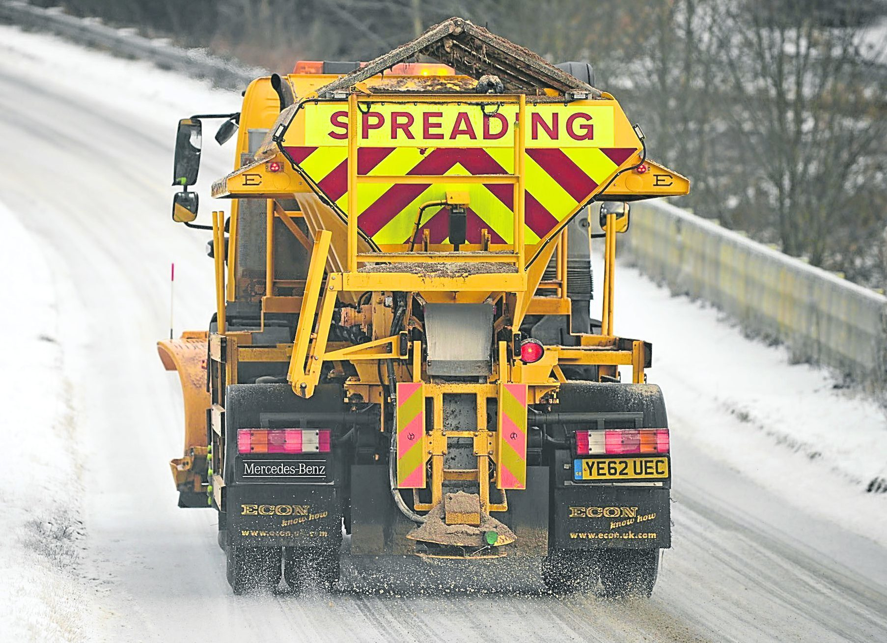 The council has been criticised for its gritting job.