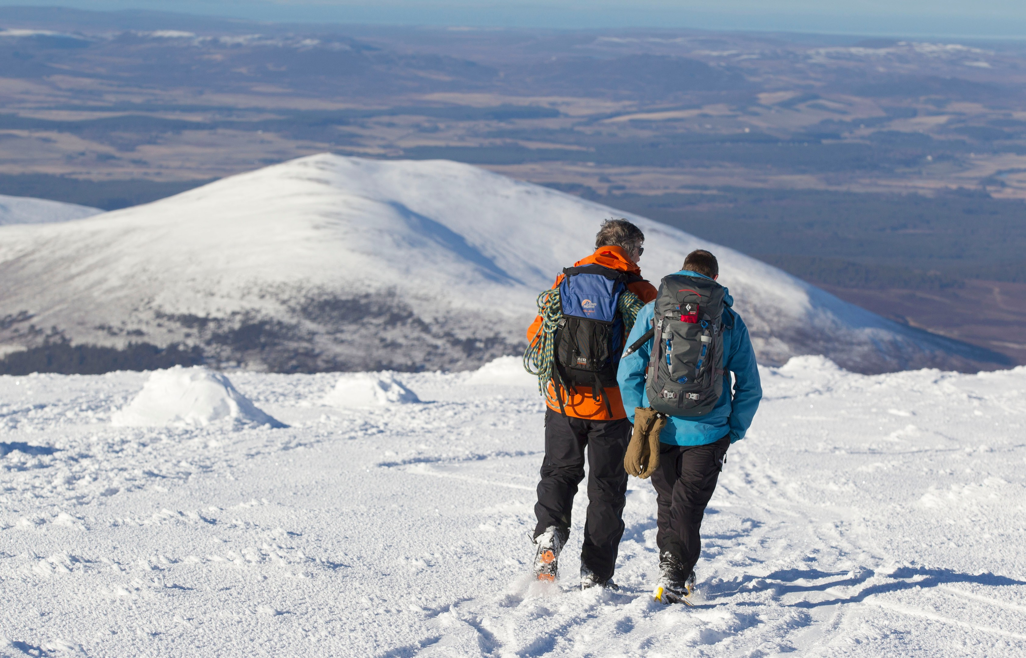 """Warning to Scottish hill walkers as risk of deadly snow slides is """"considerable"""""""