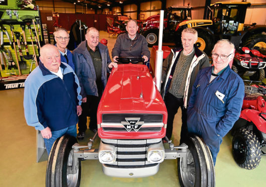 From left to right - Albert Robertson, Derek Innes, Tom Robertson, Bill Stewart, John Mutch and Hendry Pirpe.
