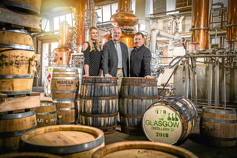 L-R Hannah Dobson (SF&D), Prof Alan Wolstenholme (SCDA Chair), Liam Hughes (Glasgow Distillery and SCDA Vice-Chair)