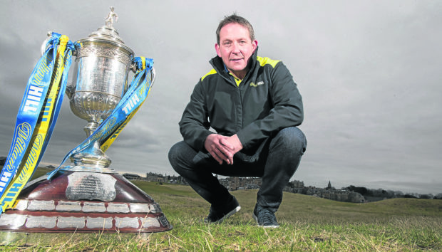 Billy Dodds with the Scottish Cup