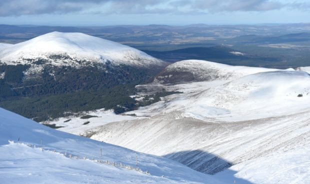 A trial scheme will start tomorrow at the ski centre and overspill car parks