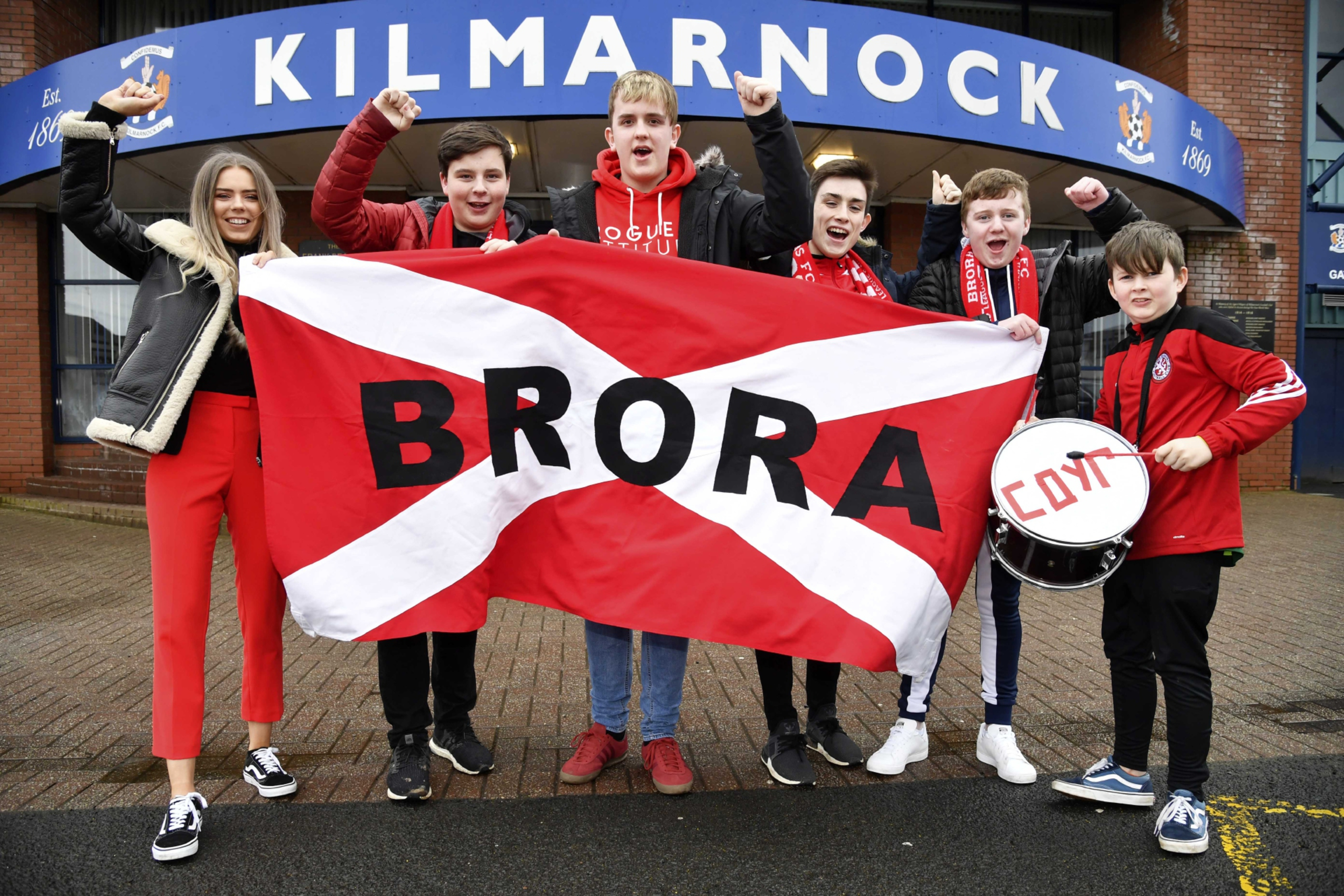 Brora Rangers fans ahead of the trip to Kilmarnock in 2018.