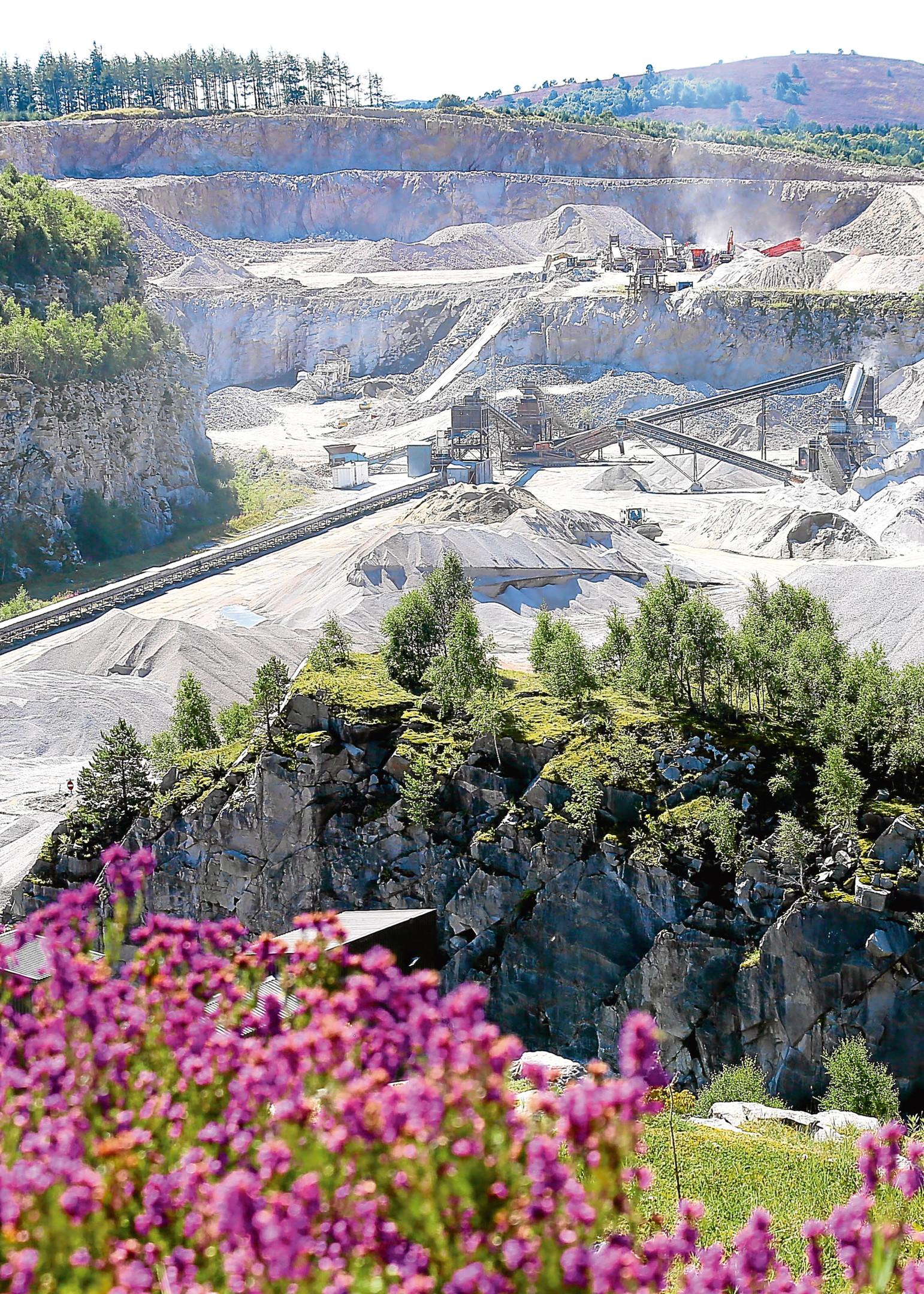 Breedons Craigenlow quarry in Dunecht