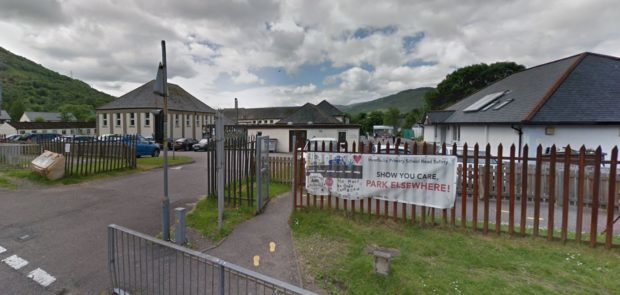 Management at the primary school made the decision to have an immediate lock down until the situation was deemed safe.