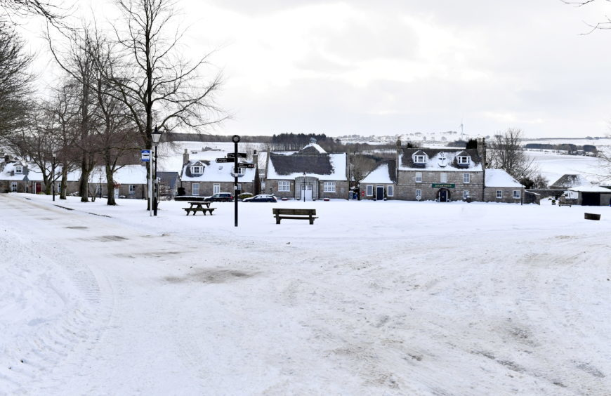 WEATHER ;  Udny Green. Picture by Kami Thomson    01-03-18