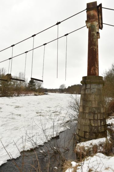 The Beast from the East - Ice covers the River Dee at the historic Shakkin Briggie - St. Devenick's Bridge which was a suspension footbridge which crosses the River Dee from Ardoe to Cults. Picture by COLIN RENNIE  March 2, 2018.