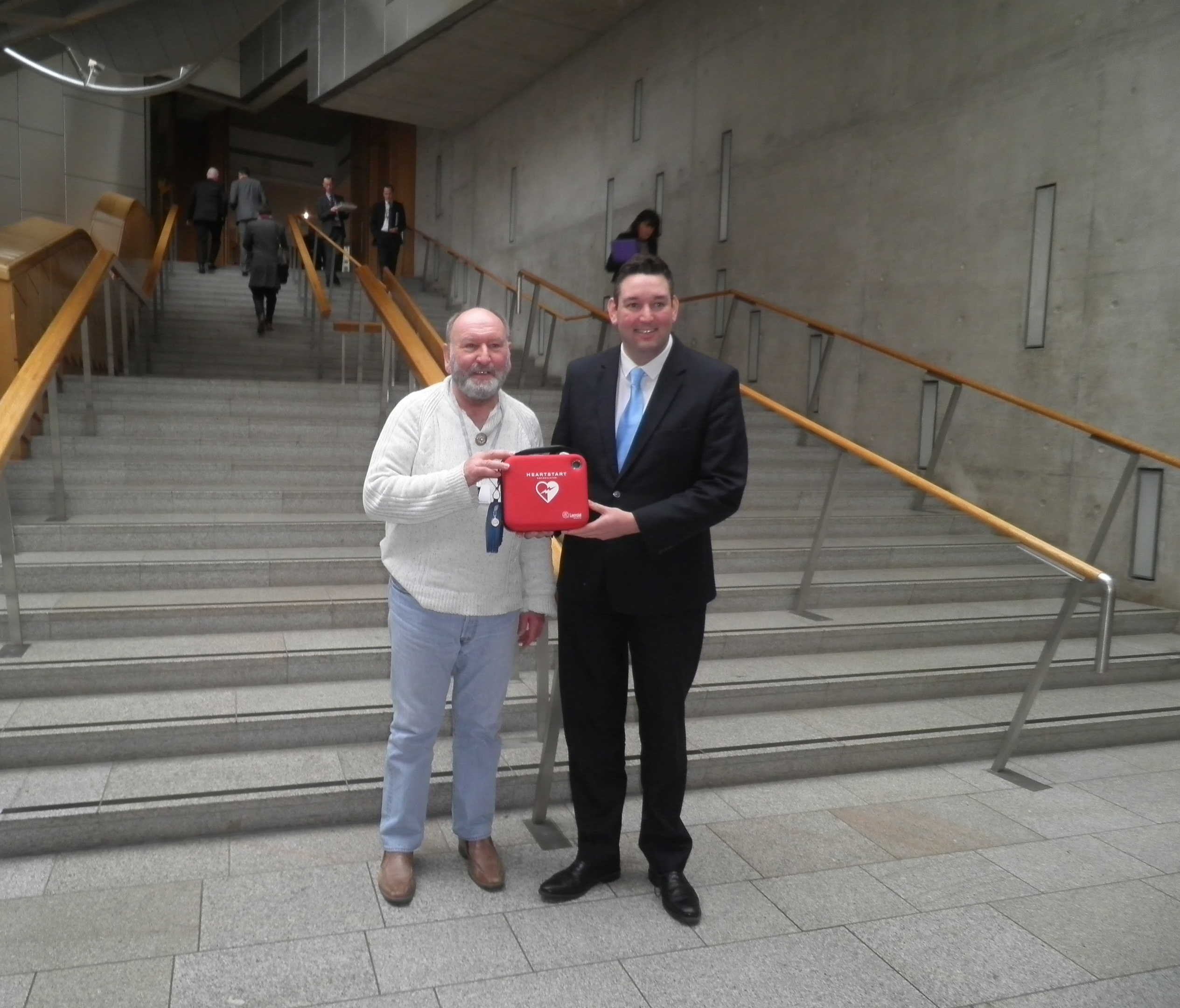 Stonehaven community councillor Phil Mills-Bishop met with Miles Briggs MSP to highlight the need for a Scottish Defibrillator Bill.