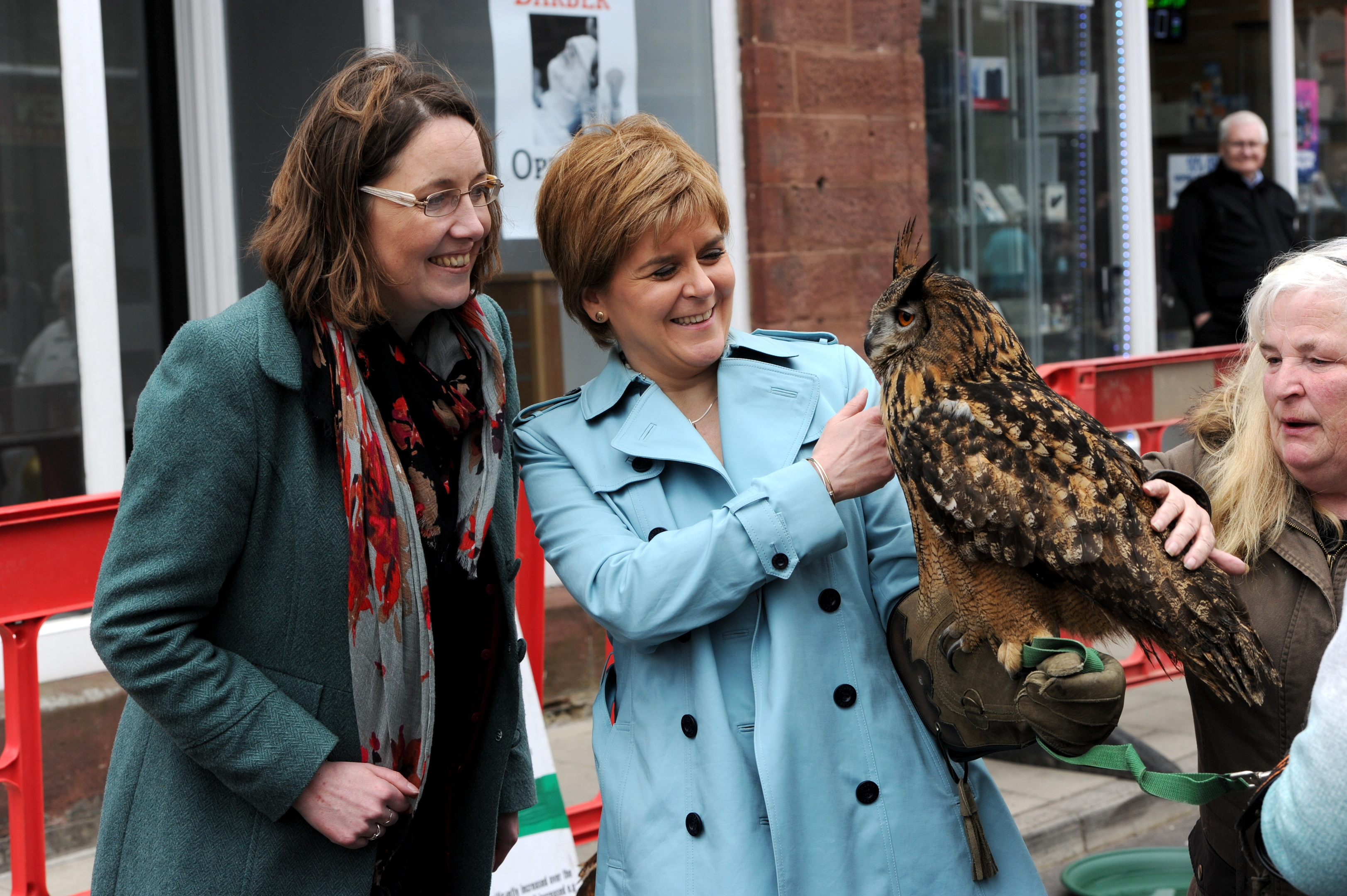 Nicola Sturgeon and Eilidh Whiteford during a May Day event last year.  Picture by KENNY ELRICK     01/04/2017