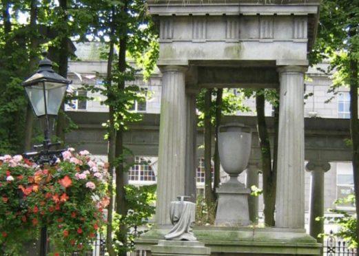 The Hamilton Monument.