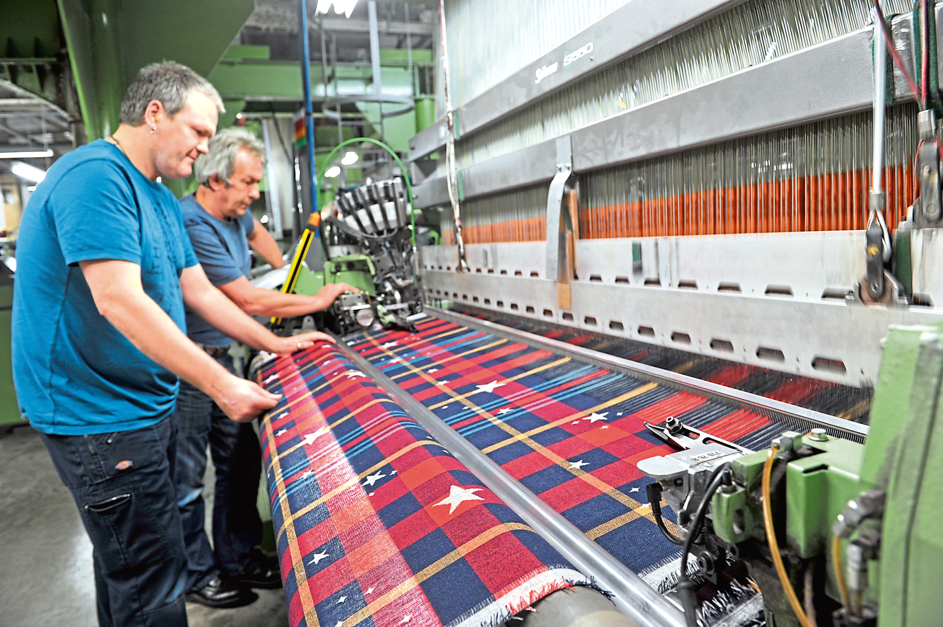 Weaving at Johnstons of Elgin.  Picture by Gordon Lennox.