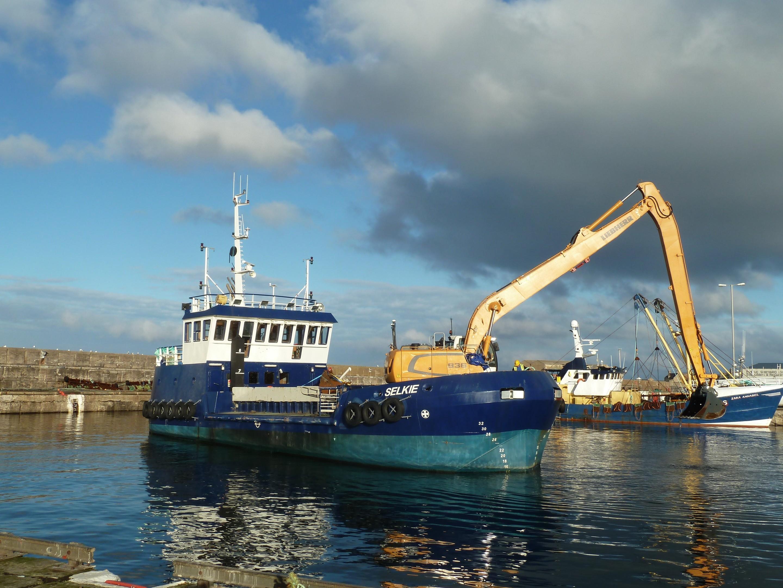 Selkie dredging at Buckie Harbour.