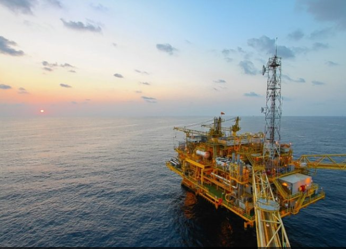 There is confusion over guidance for offshore workers.