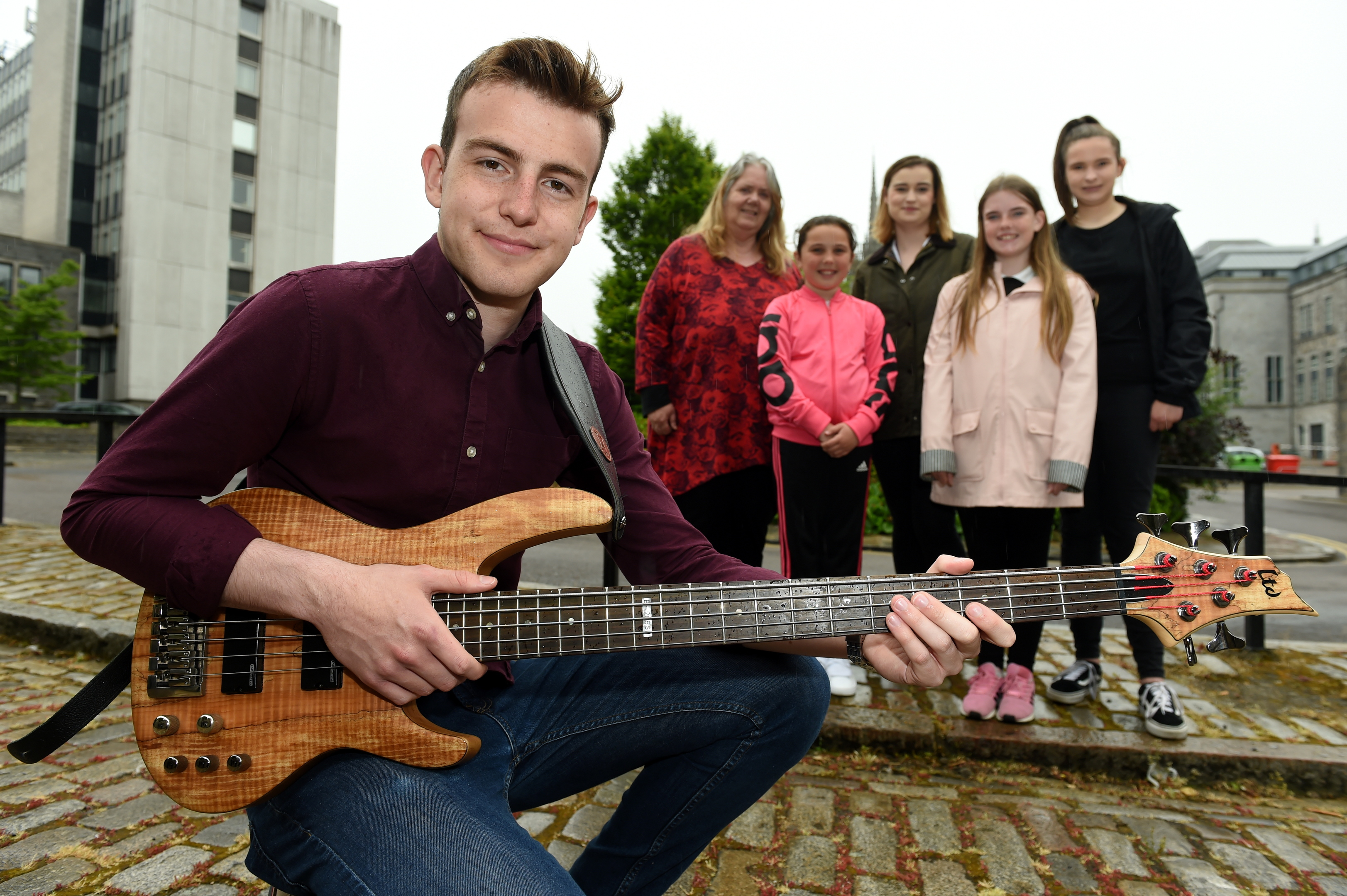 Year of Young People Creative Funding recipients unveiled.  Aberdeen City Council £100,000 funding initiative will be able to realise their creative projects in the fields of music, drama and other areas of the arts to help celebrate Year of Young People 2018. Picture of (L-R) Finley Campbell, Marie Main, 10, Councillor Lesley Dunbar, Kate Davidson, Chelsea Middleton, 12, Ashlin Irvine, 13.  Picture by Kenny Elrick.