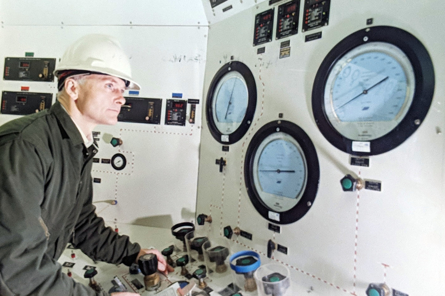 Frank Murray, pictured in 1991 at the National Hyperbaric Centre, was woken with the news by his son.