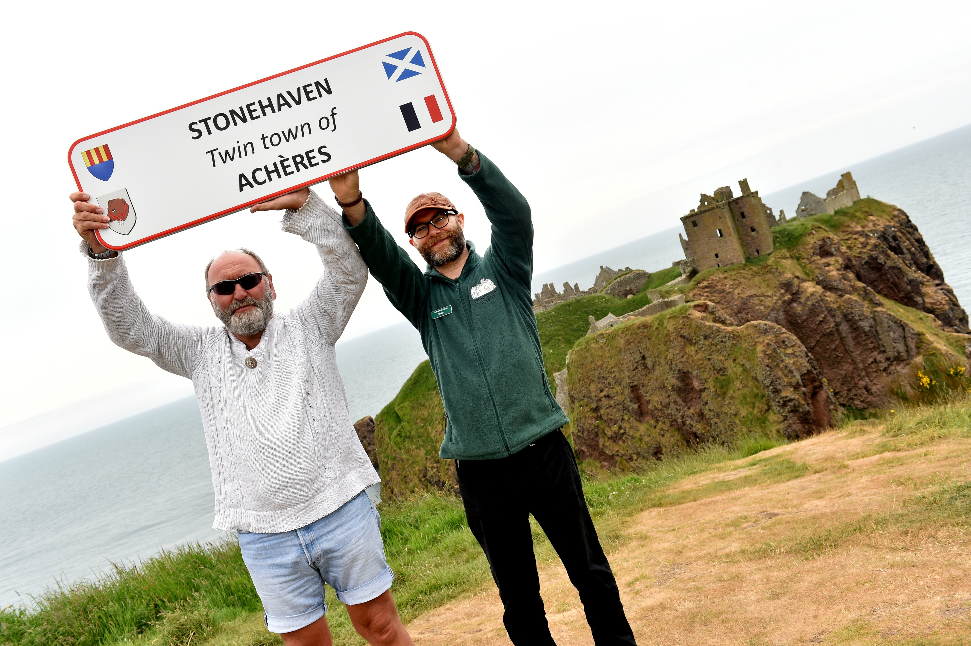 Phil Mills-Bishop, co-ordinator of Acheres (left) and Martin Gray, deputy custodian of Dunnottar Castle. Picture by Colin Rennie.