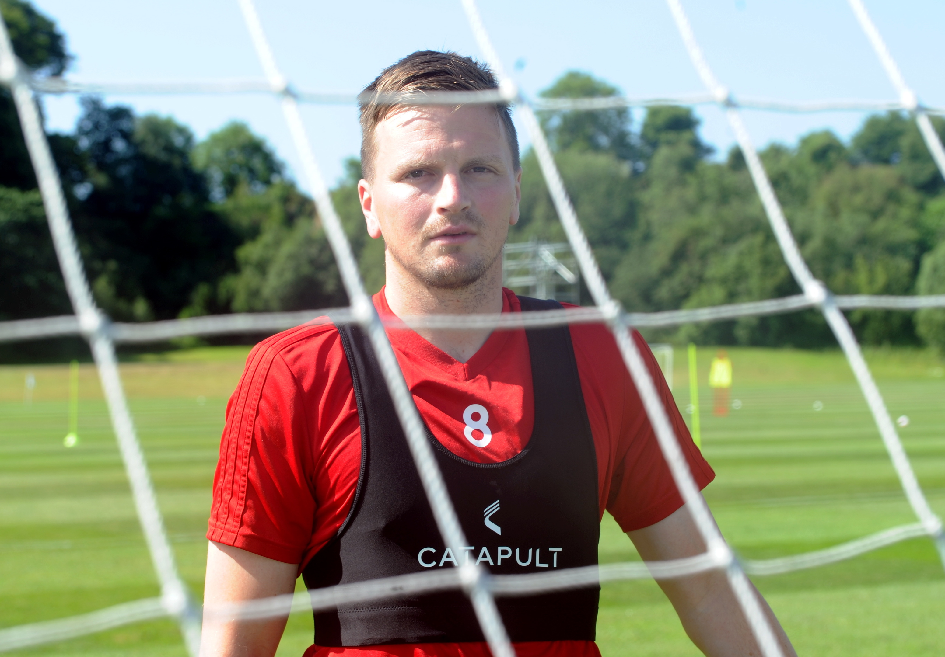 Aberdeen midfielder Stephen Gleeson limped off in the 2-2 draw at St Johnstone
