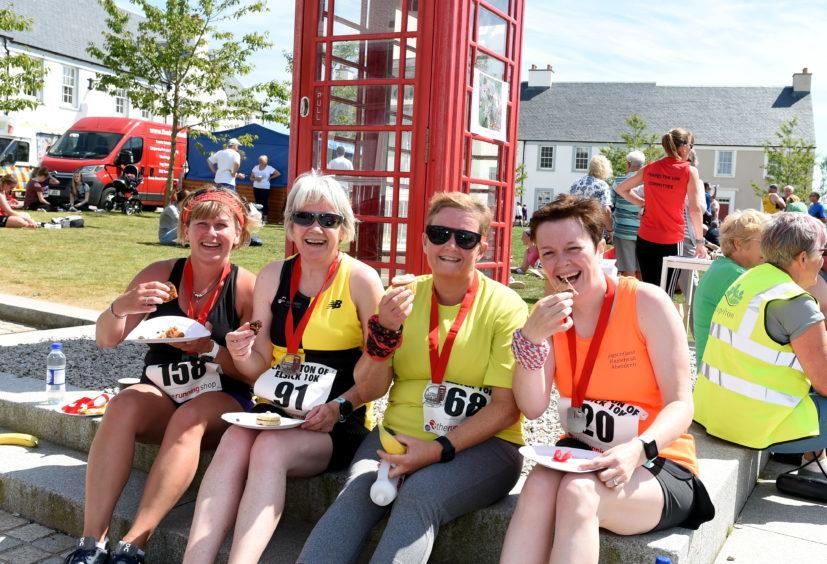 Catriona Milne, Lana Hadden, Joy Exton and Christine Bonnet, after the race