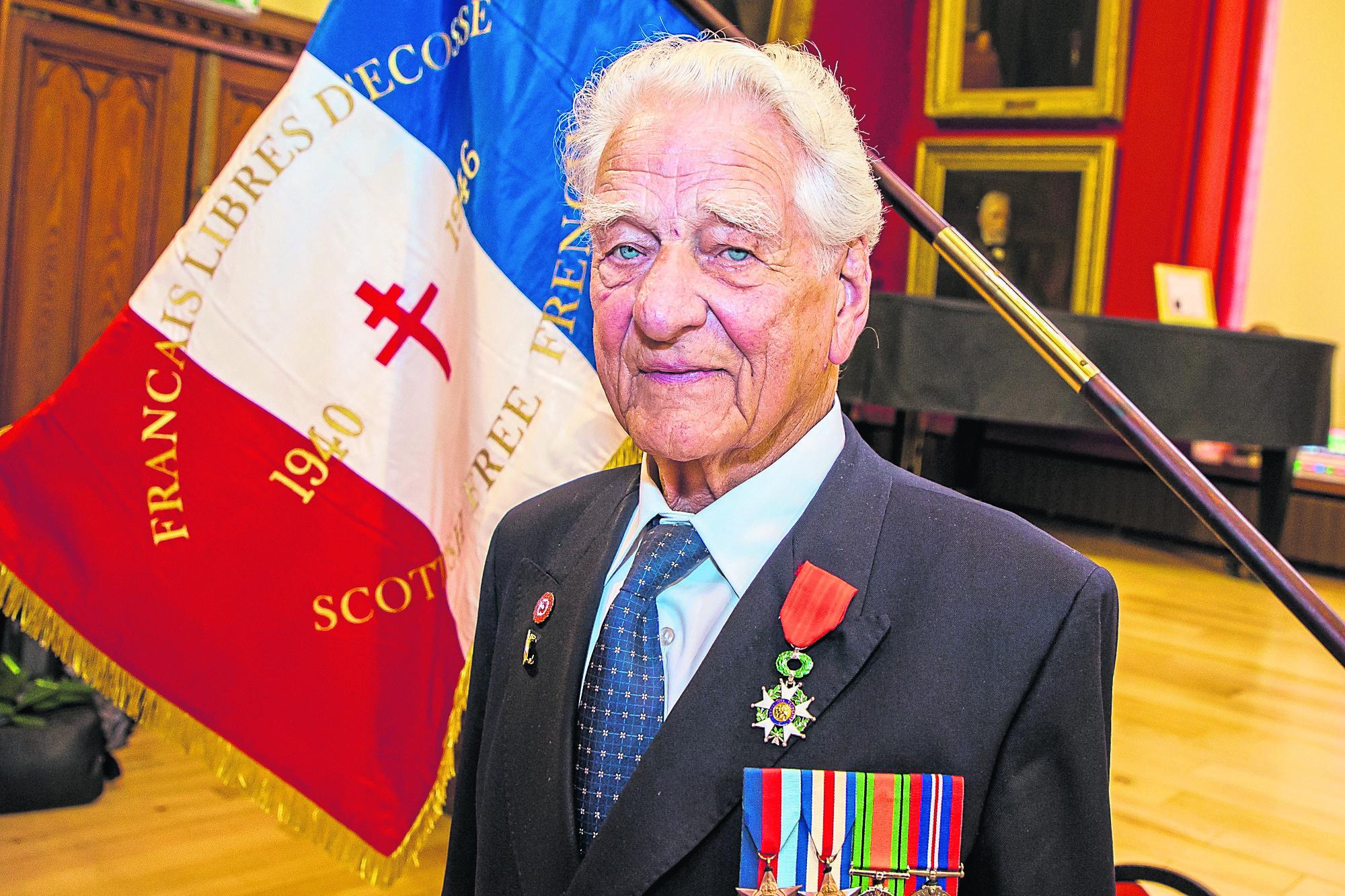 94 year old D-Day veteran, Ian MacLennan of Evanton is awarded the Légion d'honneur.