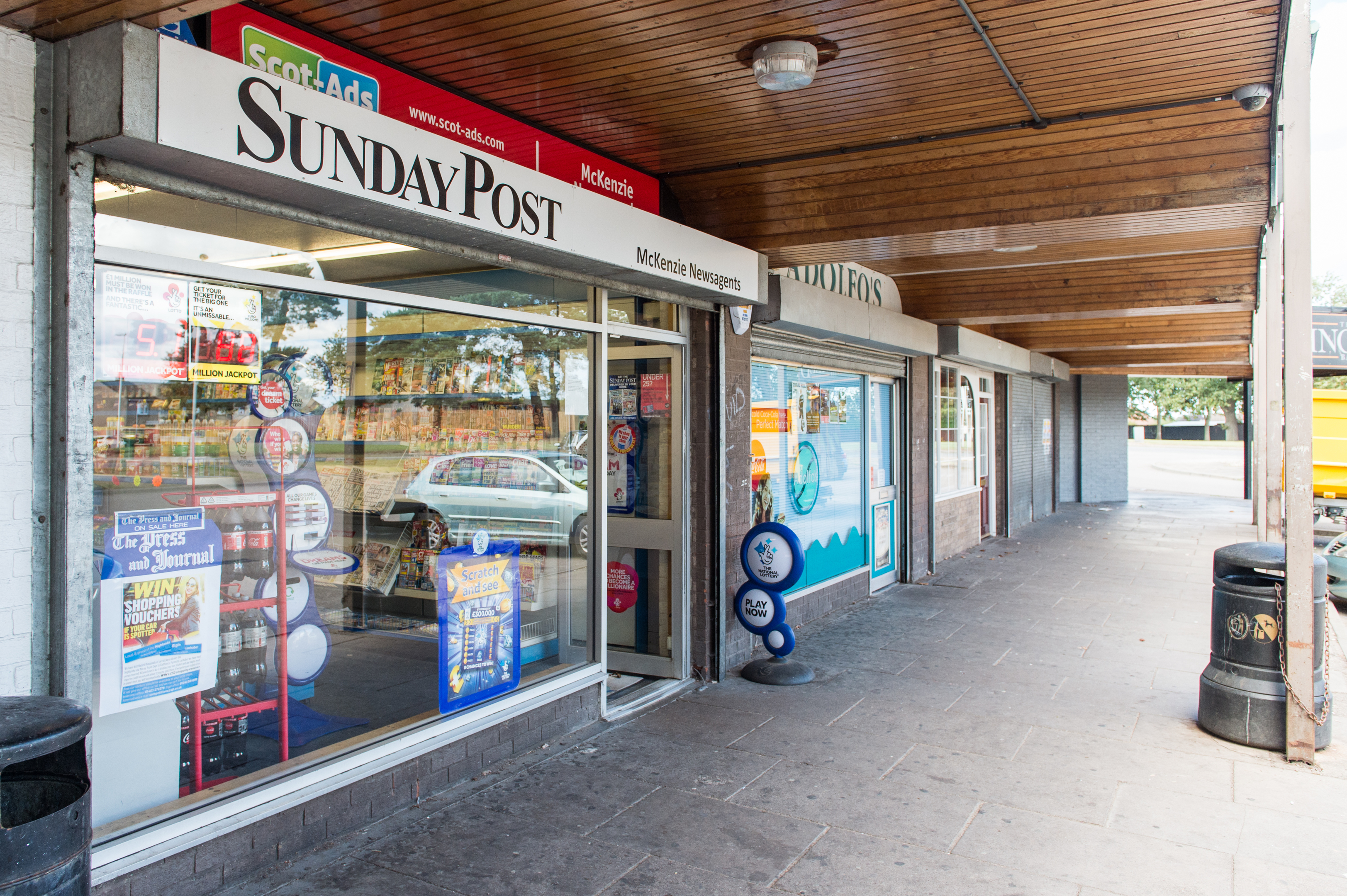 16/08/208 - Pictures show McKenzie Newsagents on Glen Moray Drive where an attempted Robbery took place erlier this morning.