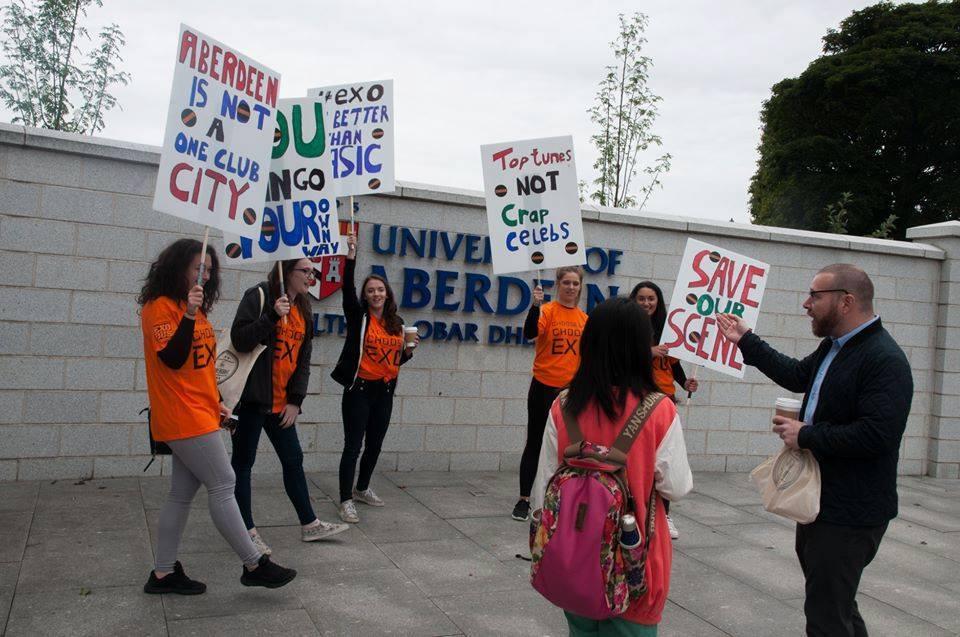 Nightclub staff protesting at Aberdeen University.