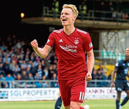 11/08/18 LADBROKES PREMIERSHIP  DUNDEE v ABERDEEN (0-1)  THE KILMAC STADIUM AT DENS PARK - DUNDEE  Aberdeen's Gary Mackay Steven celebrates after scoring to make it 1-0.