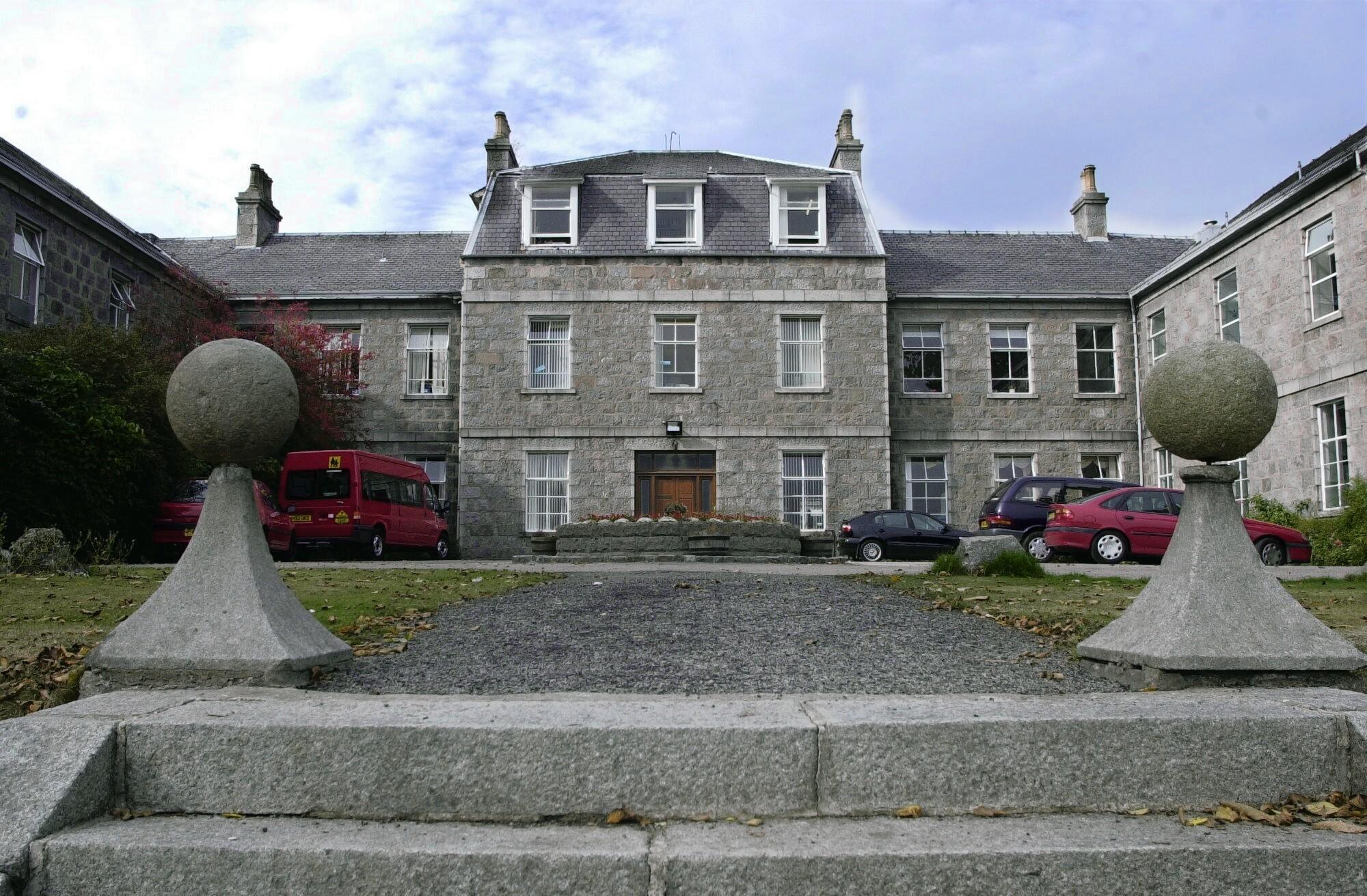 Oakbank School closed in 2008.