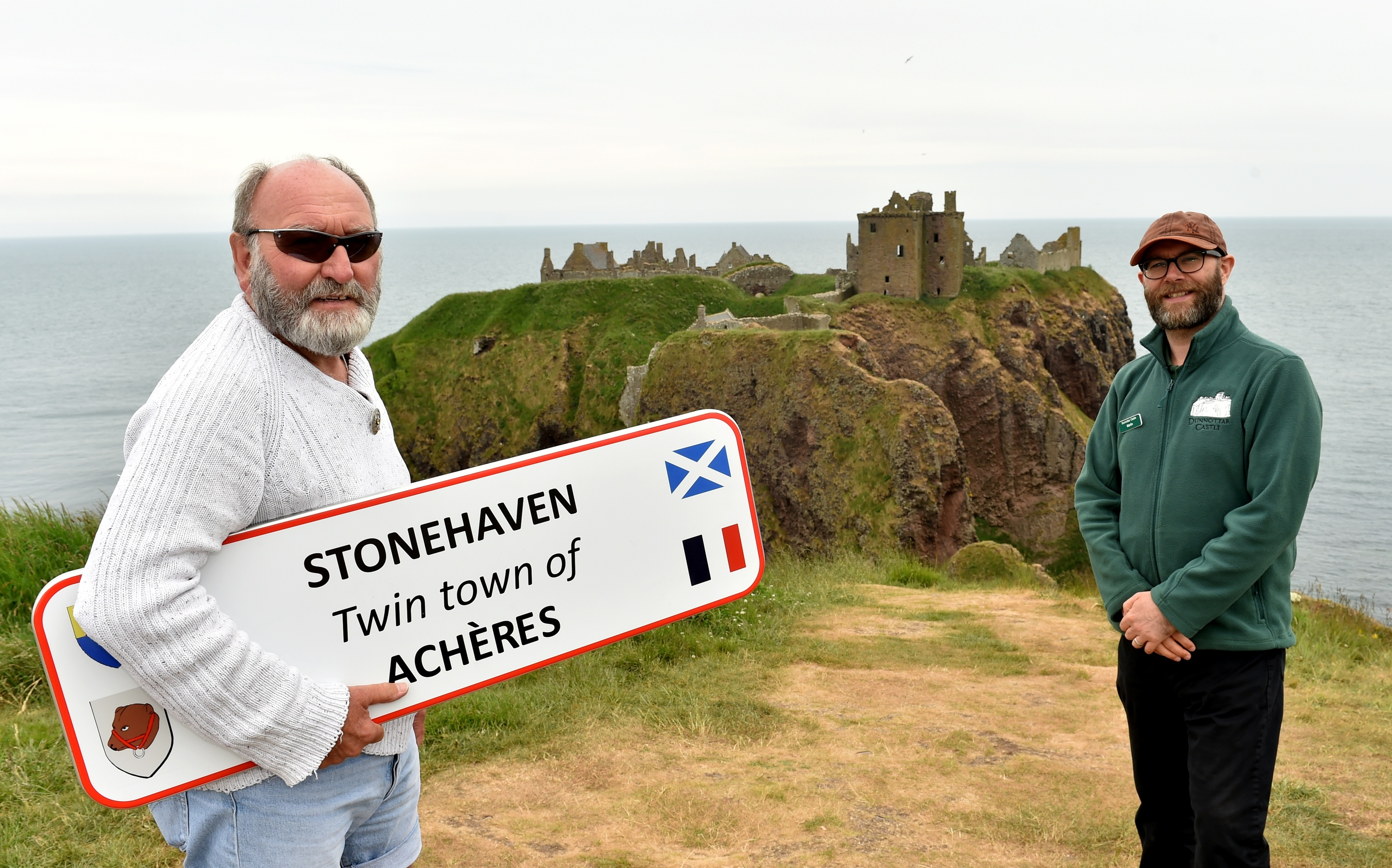 Phil Mills Bishop, co-ordinator Acheres and Martin Gray, deputy custodian of Dunnottar Castle.