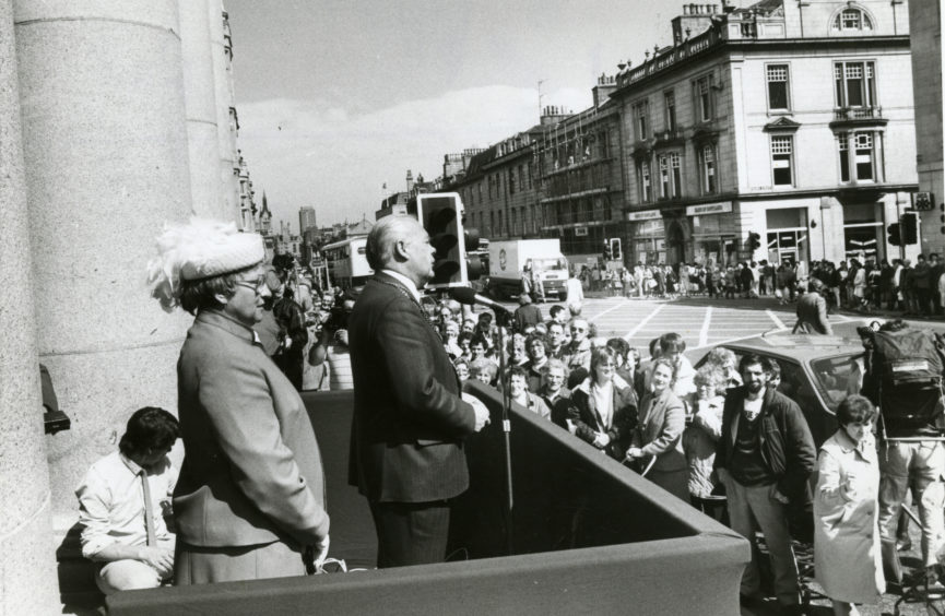 Lord Provost Henry Rae speaks at the opening of the refurbished Music Hall in 1986.