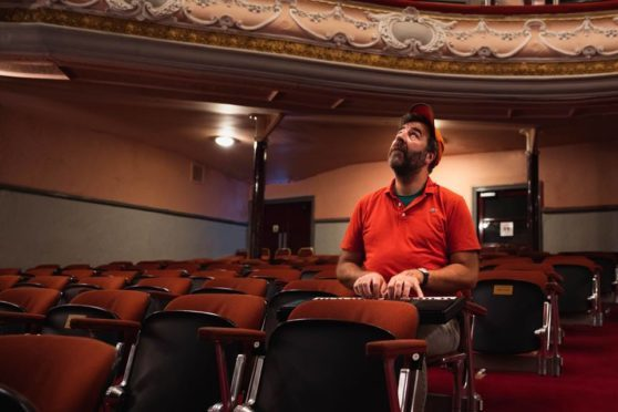 David O'Doherty warms up his keyboard ahead of his sell-out show at The Tivoli Theatre.