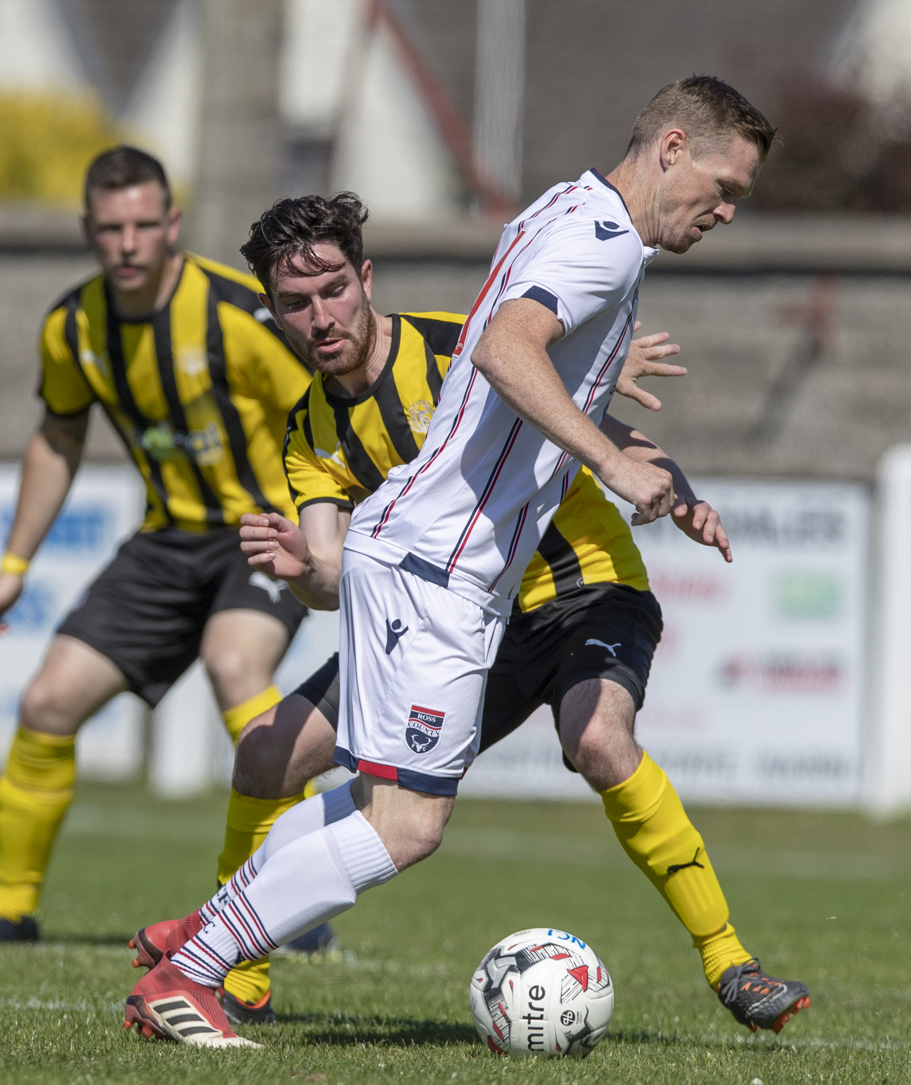 Callum Maclean has signed a new contract with Nairn County.
