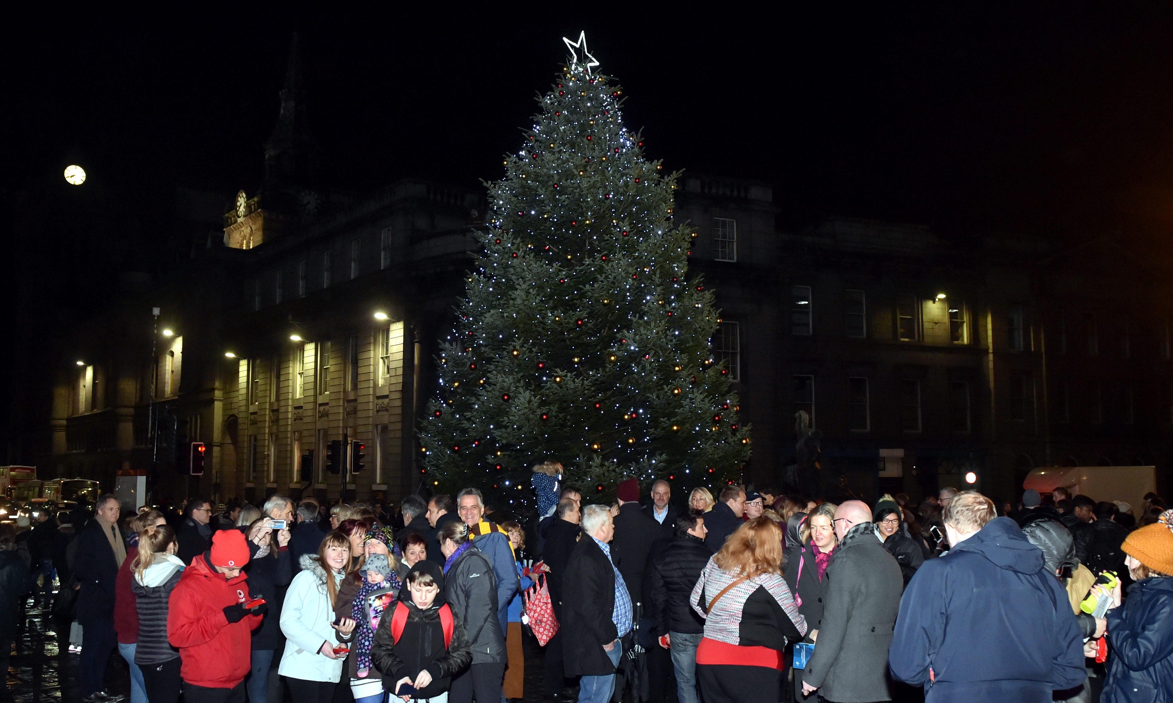 The 35ft Norwegian fir Christmas Tree on Aberdeen Castlegate in 2018