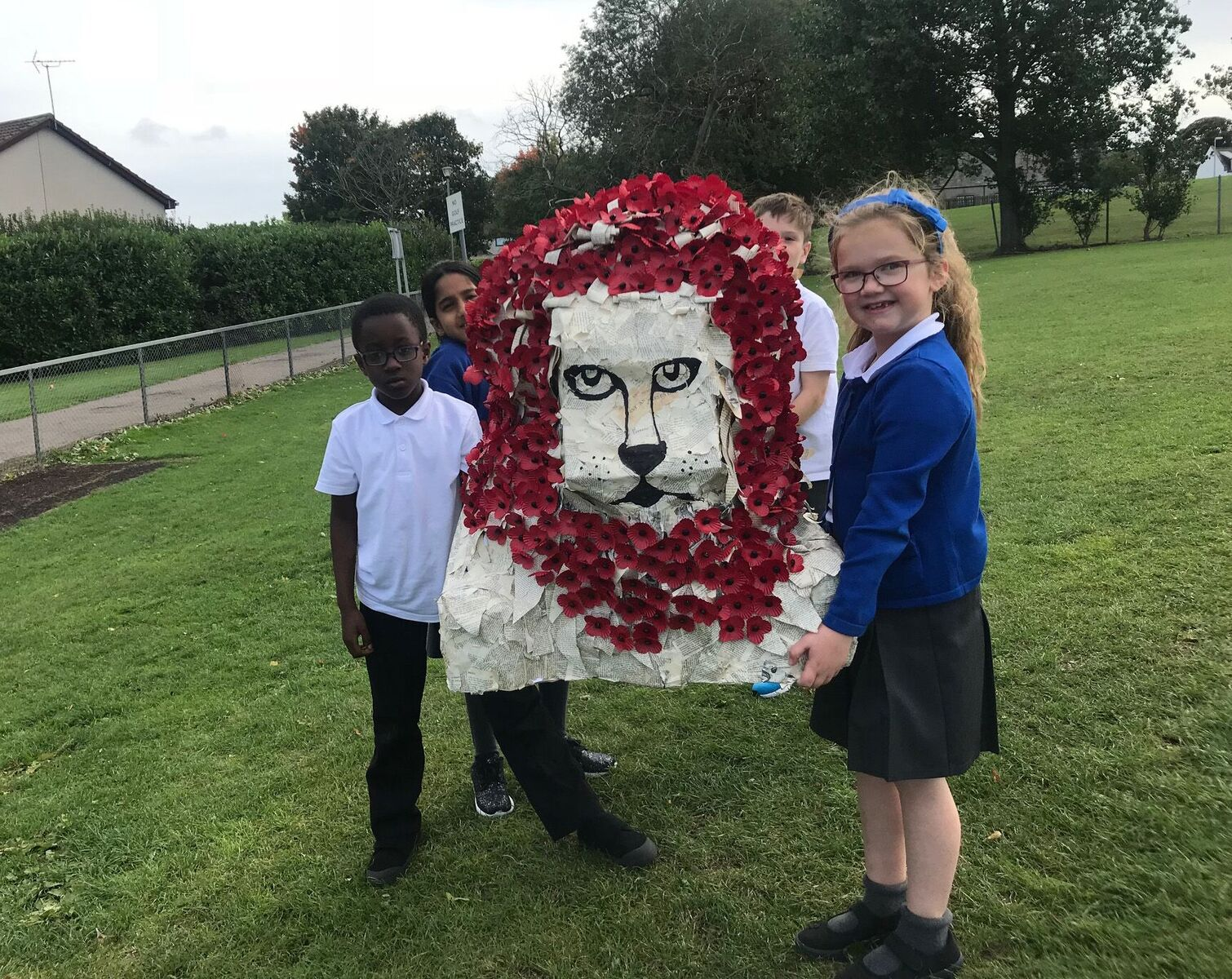Middleton Park School pupils with their 'Lion of Courage' artwork