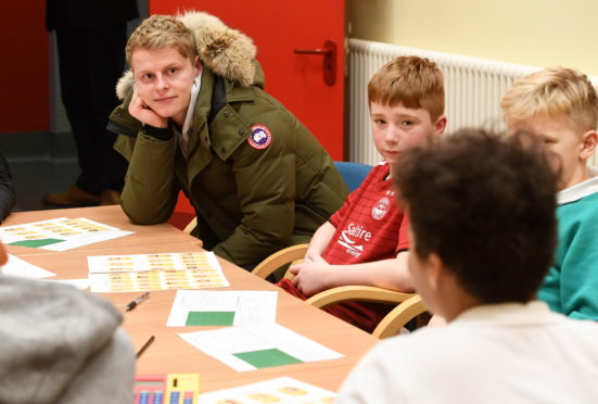 Dons star Gary Mackay Steven at Tullos Primary School