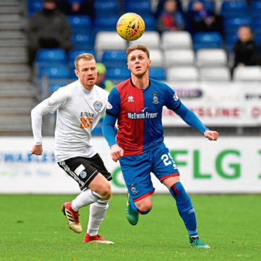 12/0/19 LADBROKES CHAMPIONSHIP INVERNESS CT v AYR UNITED (1-0) TULLOCH CALEDONIAN STADIUM-INVERNESS Ayr United's Andy Geggan (L) battles with Inverness CT's Kevin McHattie.
